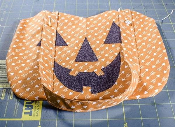 Free Jack O'lantern treat bag sewing pattern for Halloween