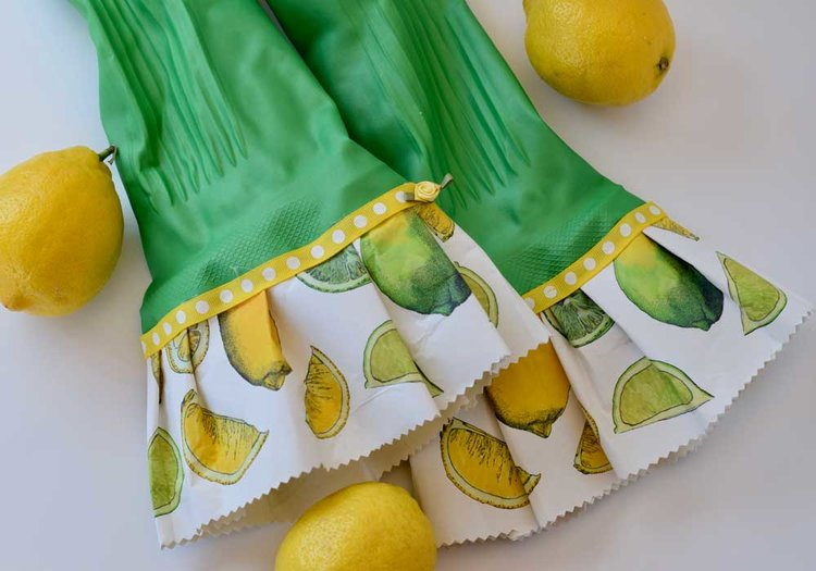 DIY Ruffled Rubber Gloves to motivate your spring cleaning