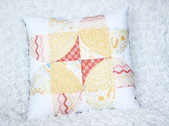 Daffodil Days pillow sewing tutorial