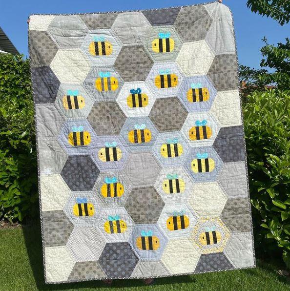 Happy Bee Quilt