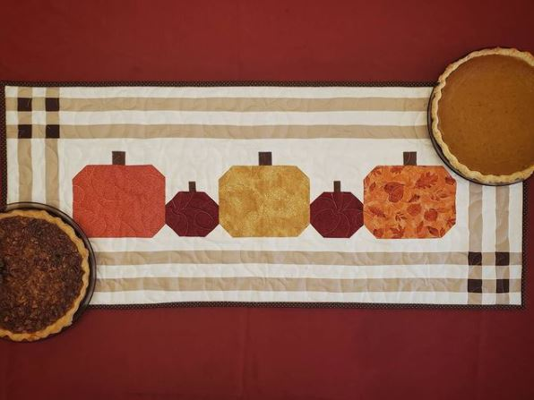 Free pumpkin table runner sewing pattern