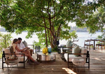 Main Island - Deck sitting area