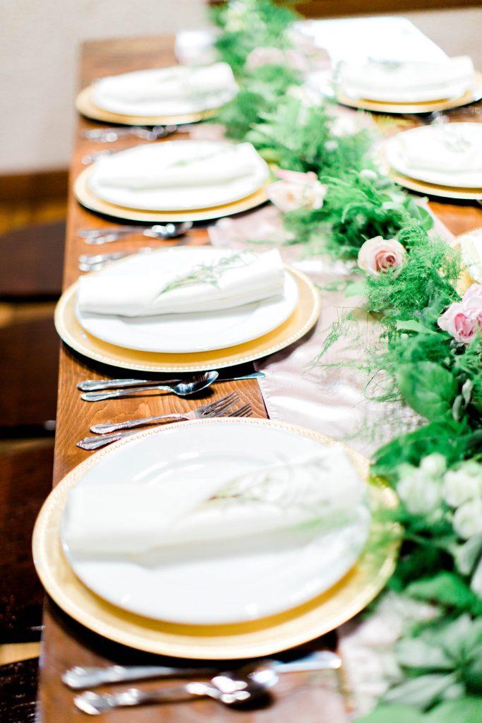 2018 Wedding Floral Forecast – Entwined Events   Florals: Bella Rose Floral & Designs   Photo Credit: Amanda Somerville Photography