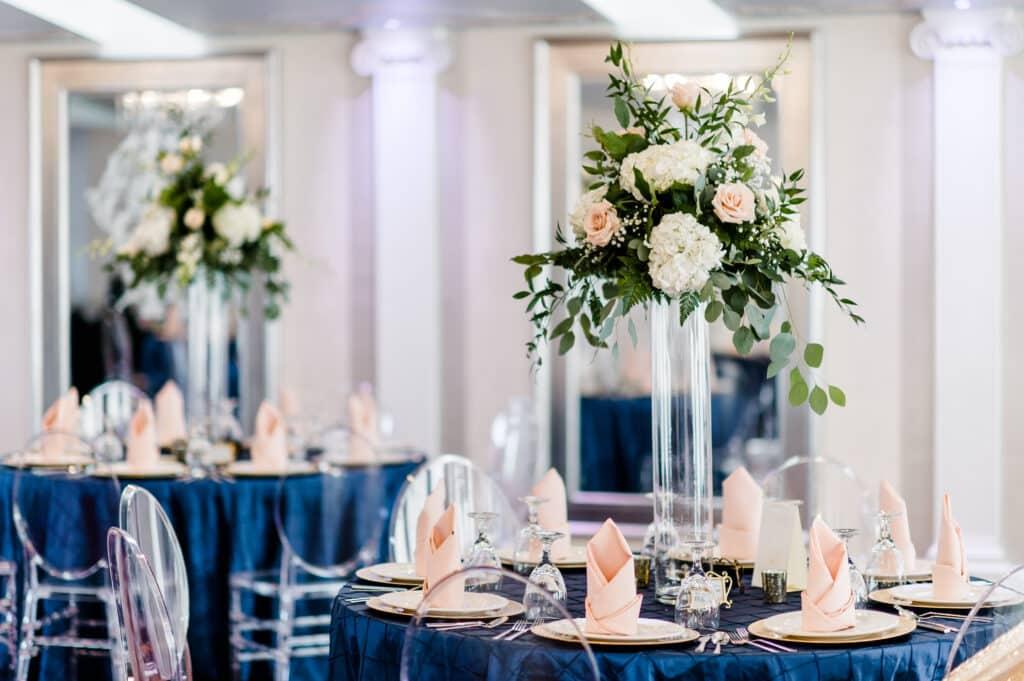 2018 Wedding Floral Forecast – Entwined Events   Florals: Bella Rose Floral & Designs   Photo Credit: Caroline Lima Photography
