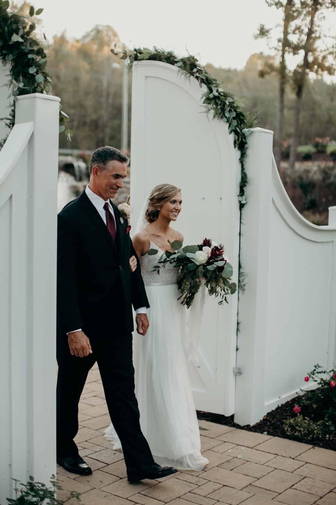 Selecting Your Virginia Wedding Venue | Entwined Events | Venue: Bella Rose Plantation in Lynchburg, VA | Photo Credit: Joe + Kathrina Photography