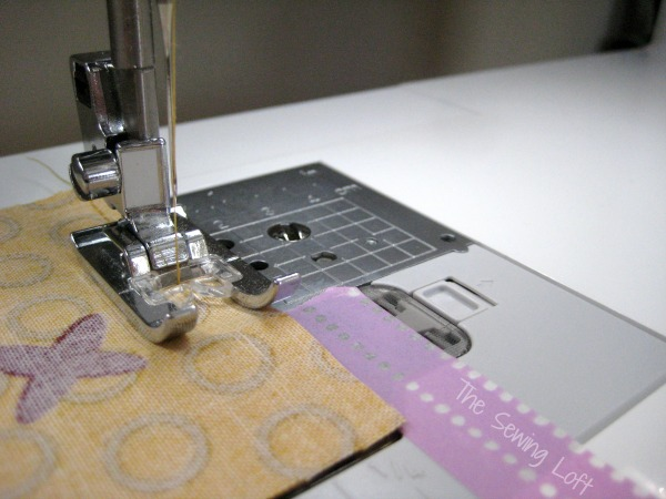 """Create the perfect 1/4"""" seam every time. The Sewing Loft #sewingtip"""
