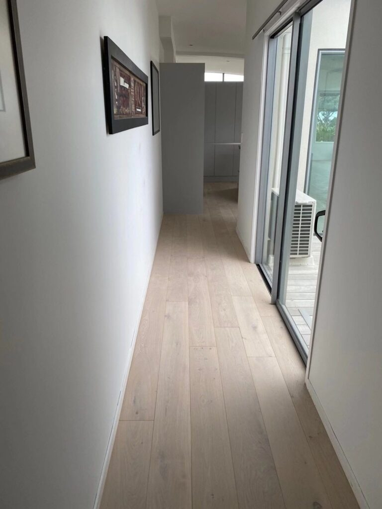 How to choose wood flooring when renovating the house,and how to laying for floor.