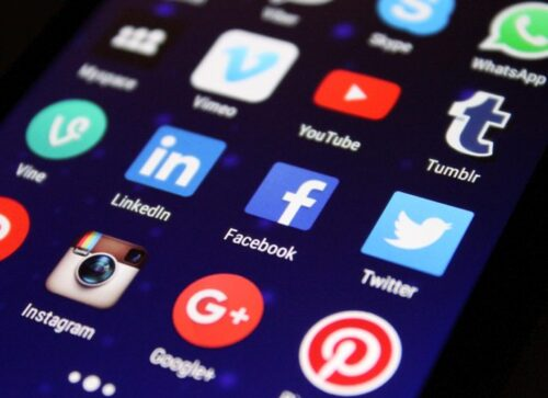 Side Hustle - Become a Social Media Influencer