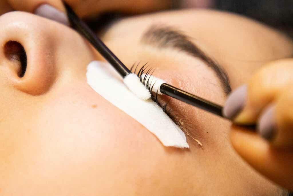 best eyelash extensions near me