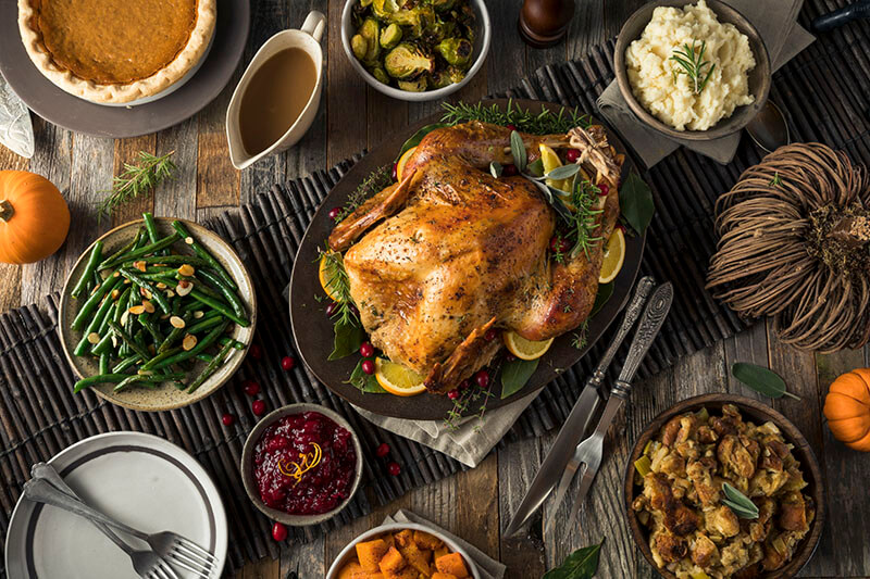 What does a typical Thanksgiving dinner look like?