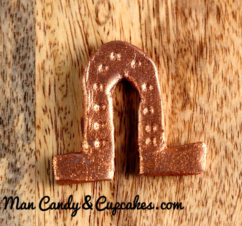 lucky horseshoe cupcake topper