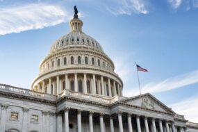 Lawmakers Push for Increases in Feds' Leave, Retirement Benefits