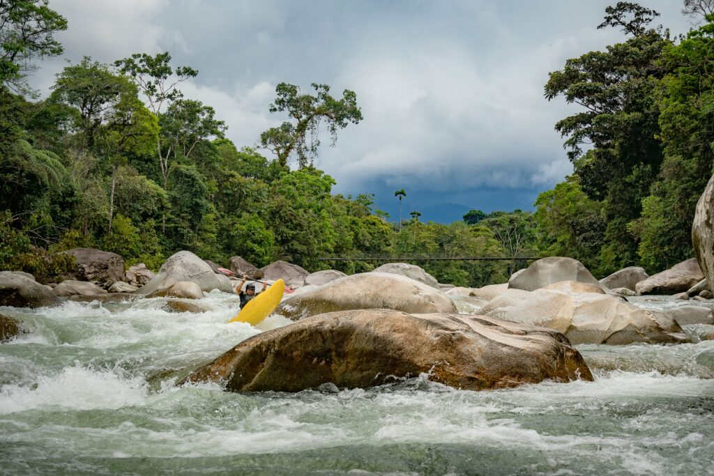 kayak ecuador, kayaking in Ecuador, small world Adventures, ecuador kayak, rivers, kayaking, whitewater kayaking