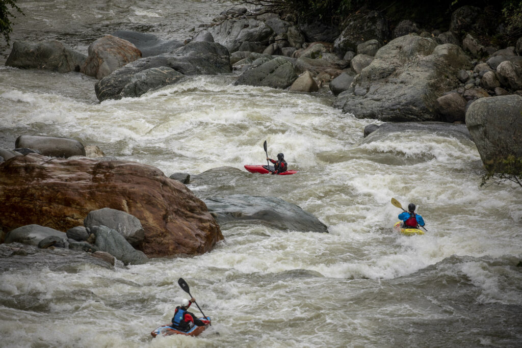 kayak ecuador, kayaking in Ecuador, small world adventures, guided kayaking trips, kayakers guide to Ecuador, Oyacachi, Darcy Gaechter