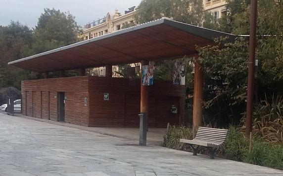 public toilet Paillon Park