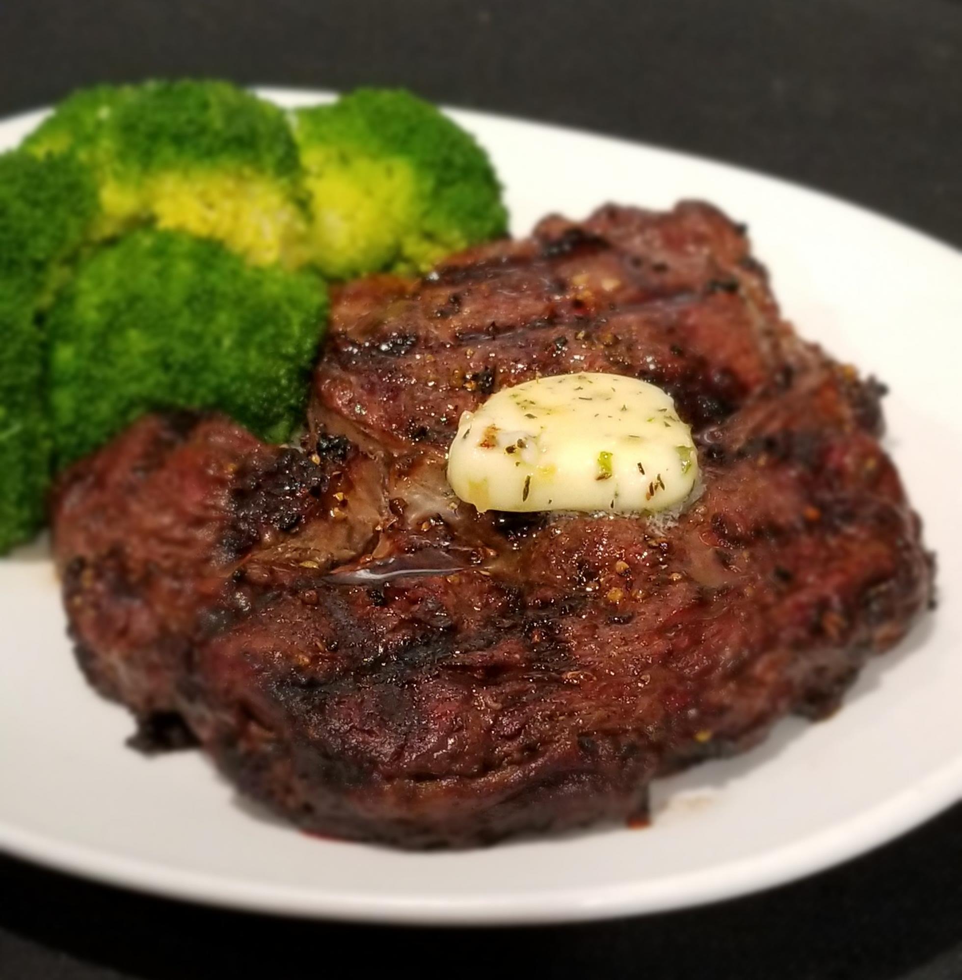 Ribeye with broccoli