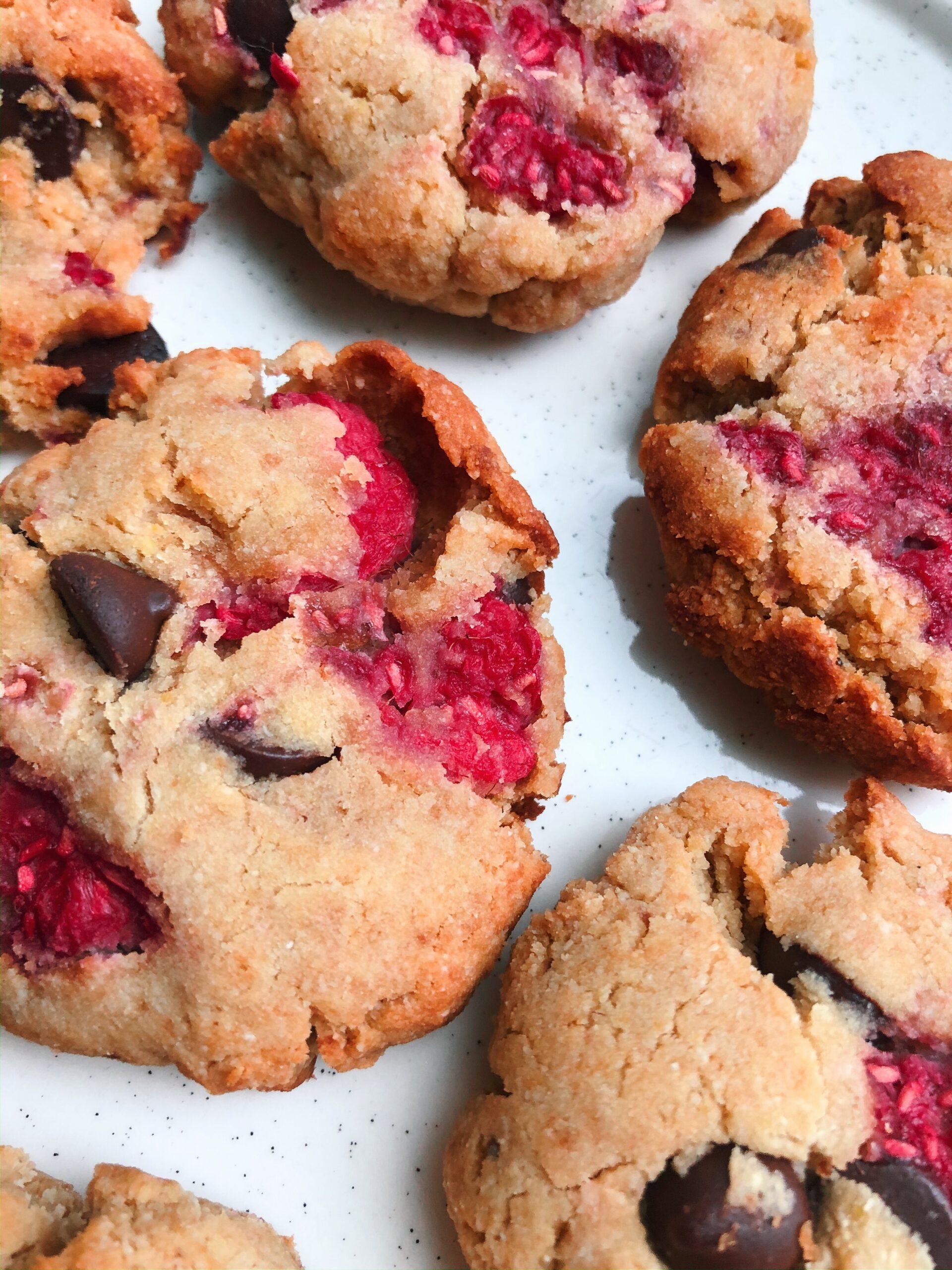 Raspberry chocolate cookies