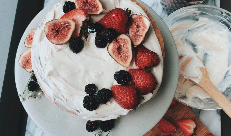 gluten-free berry cake