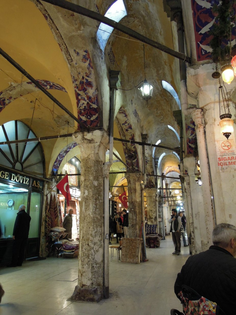 Lurking Carpet Salesmen in the Grand Bazaar
