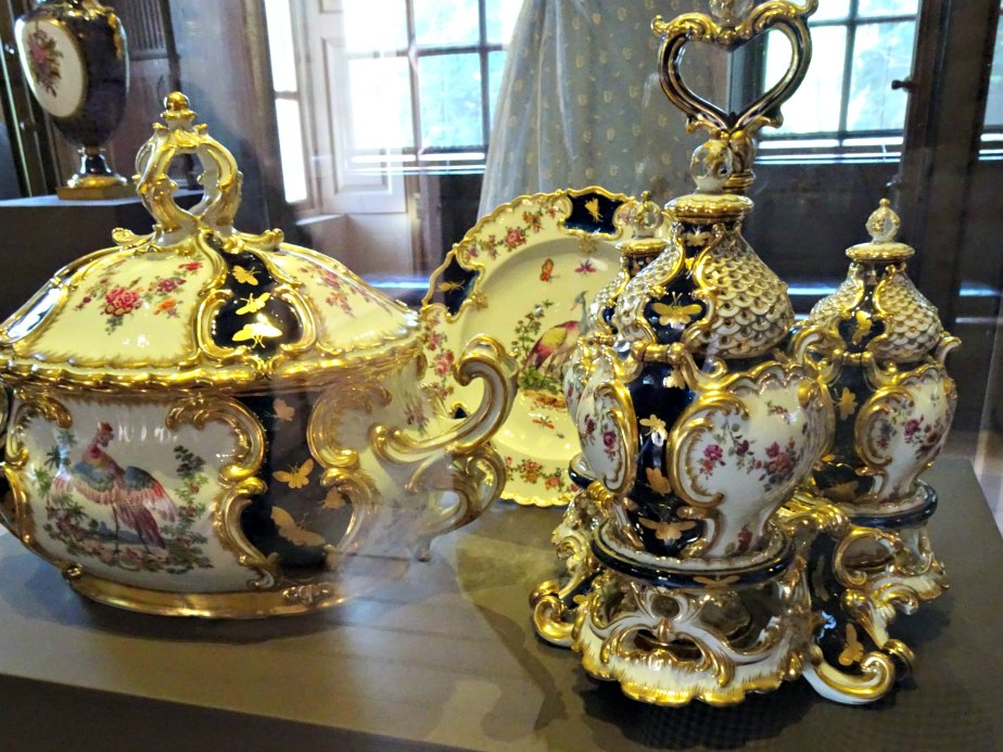 Porcelain and Gold Tableware at Kew Palace