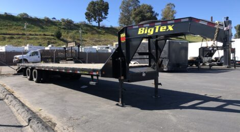 USED BIG TEX 8.5X33 GOOSENECK FLATBED(3961)