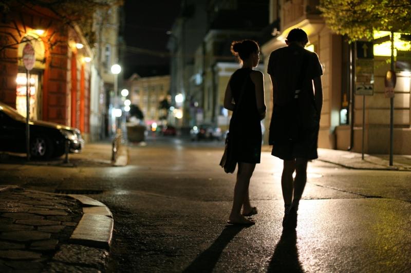 walking-atnight