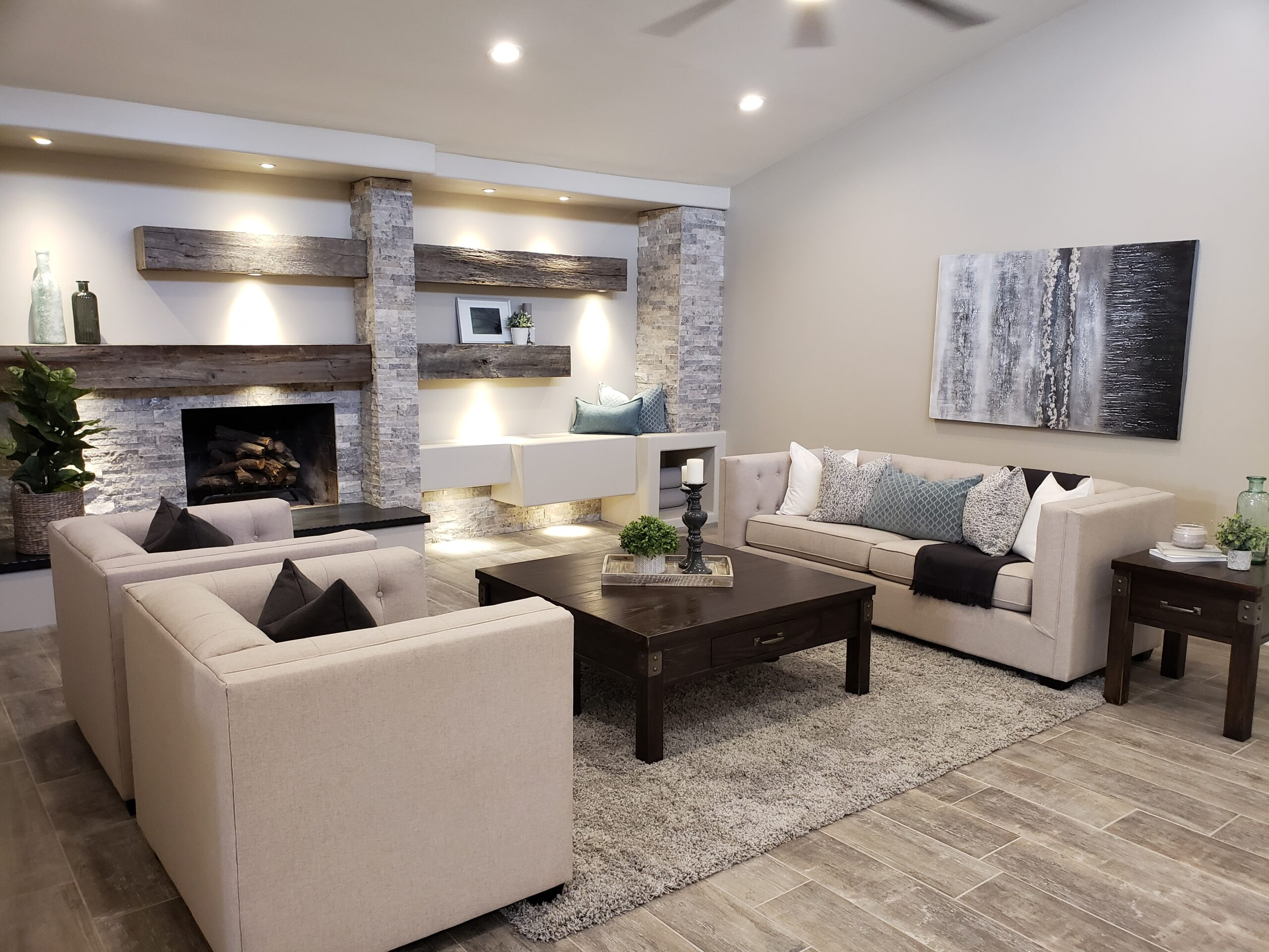 vacant home staging living room