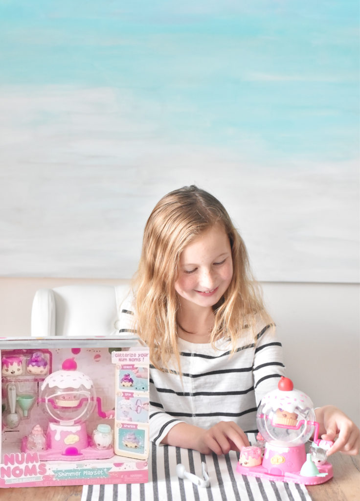 30A Mama - Num Noms Toy