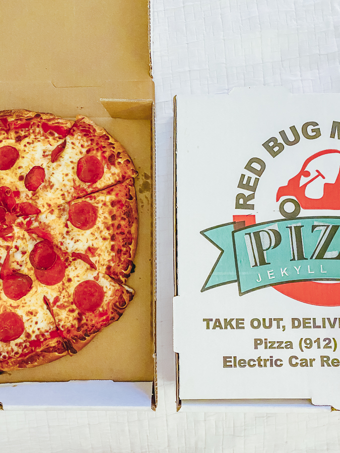 30A Mama Jekyll Island Red Bug Pizza