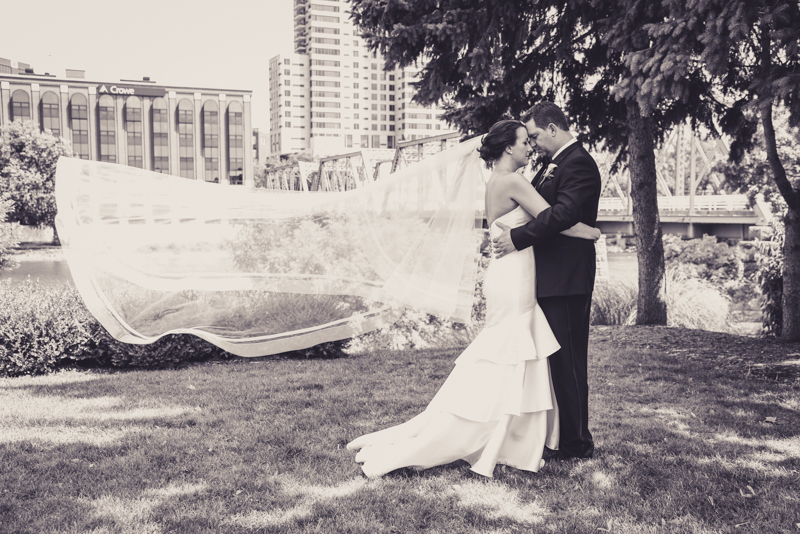 bridal party photos in downtown grand rapids mi