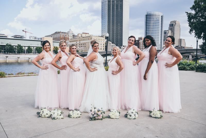 bridal party photos at ah-nab-awen park in grand rapids