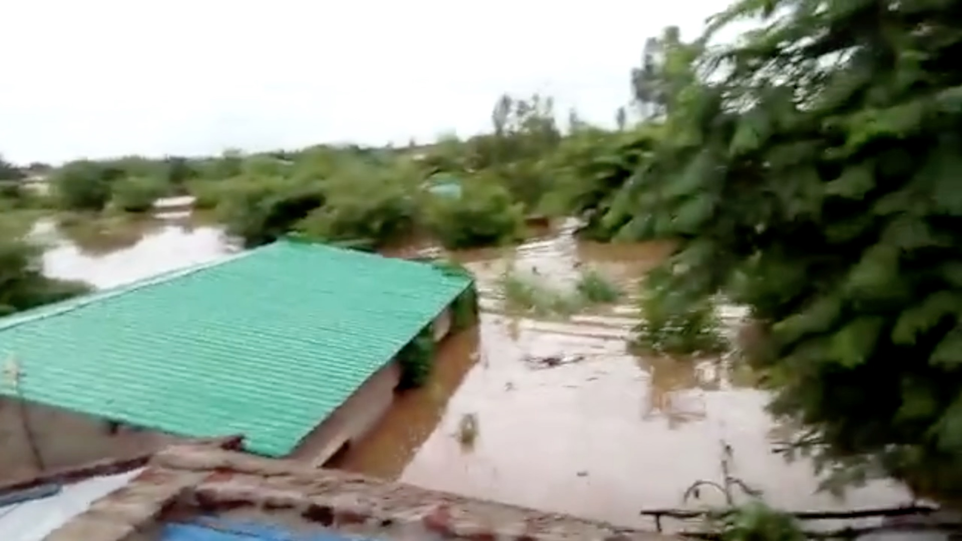 Cell phone footage of Beira after the Hurricane