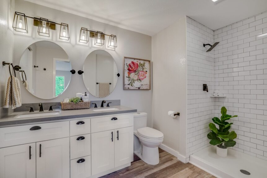 Lynnwood bathroom remodeler recommends plants in bathroom decor
