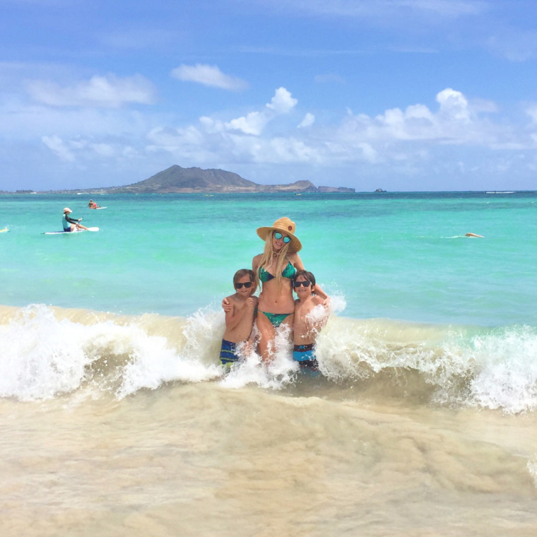 Oahu Blonde And Beachy