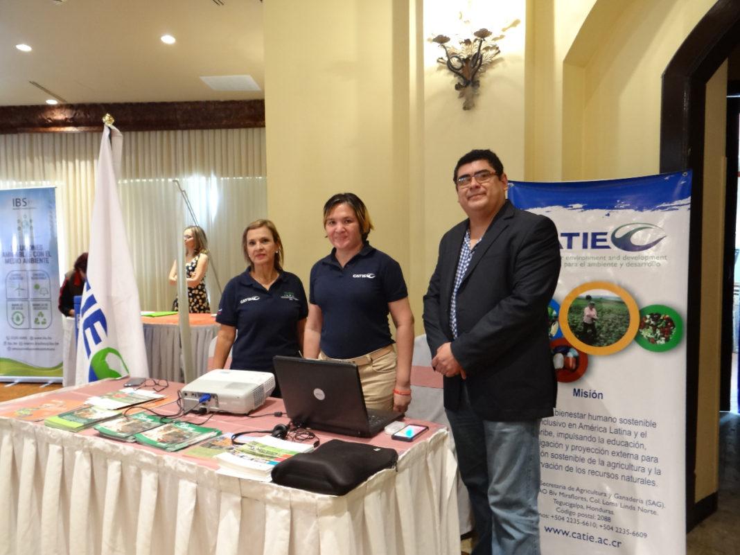 A fin de generar unos 5 mil nuevos empleos para familias vulnerables que viven en las cuencas de los ríos Choluteca, Goascorán y Nacaome, se firmaron convenios de cooperación.