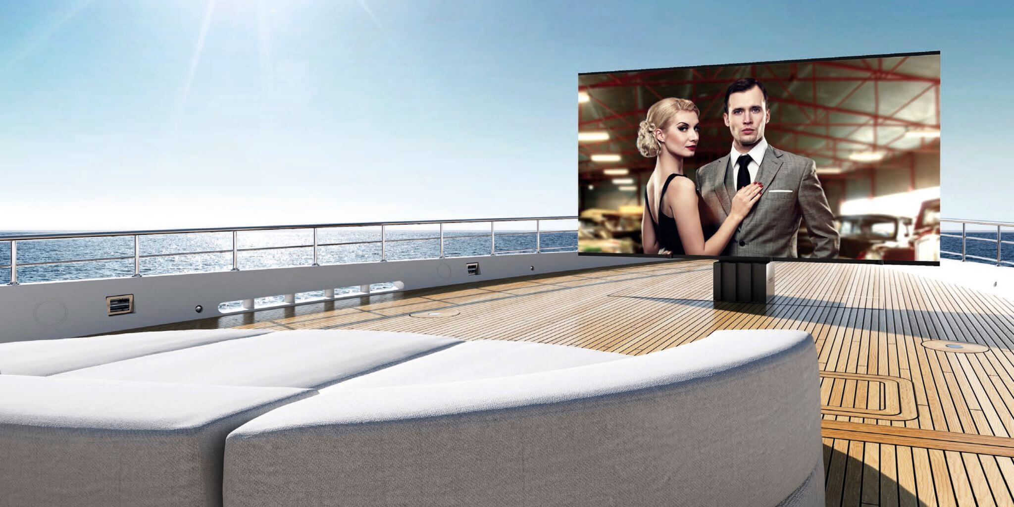 C SEED Supermarine TV Yacht Bow JPEG_2048x1024_60% tinified