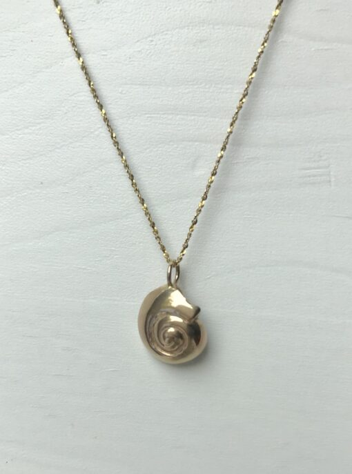 Reversible 14k gold seashell necklace with black diamond
