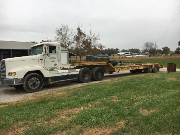 1993 Freight liner with Dorsey semi Trailer (Windsor) $15000