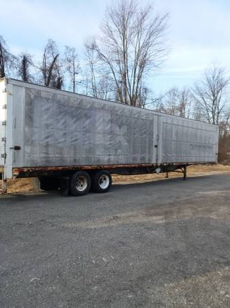 Semi Storage Trailer 53' ( Retractable Curtain Sides ) (1562 Wood Ave. S.E. East Canton, Ohio) $1300