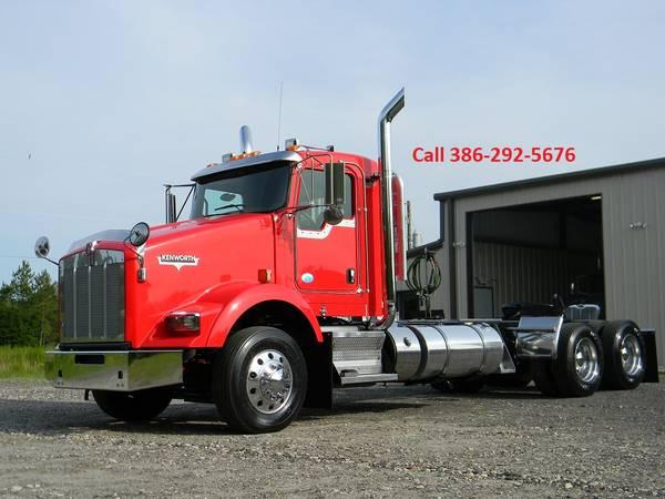 2013 KENWORTH T800 DAY CAB $54900