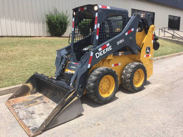 2017 John Deere 318G Skid Steer with only 159 hours (Call Toby 229-221-4493) $28900