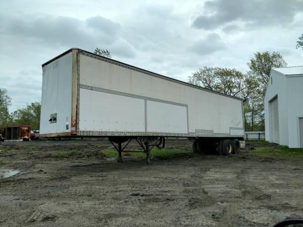 45 foot semi trailer $800