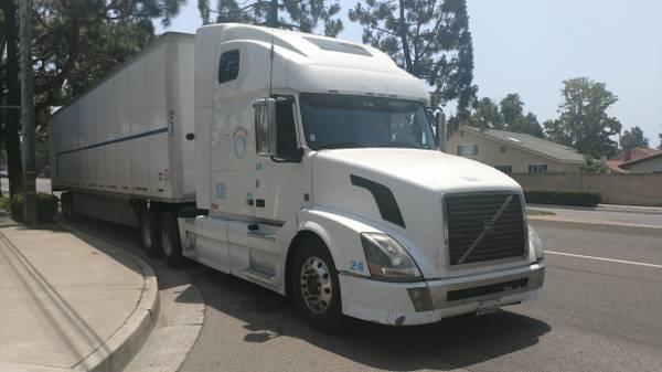 Semi Volvo for sale (corona ca) $21000