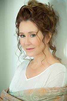 Mary-McDonnell-in-The-Cherry-Orchard
