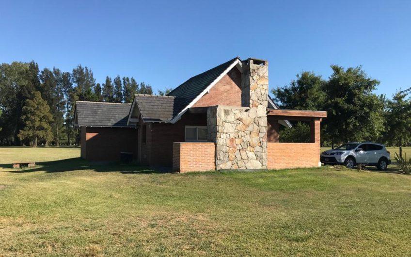 Casa Quinta en Club de Campo La Federala Lobos
