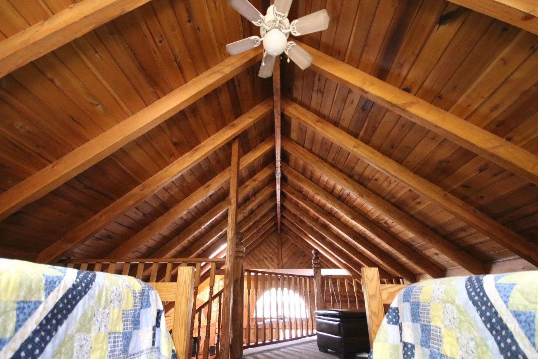 Loft with 2 Queen Beds