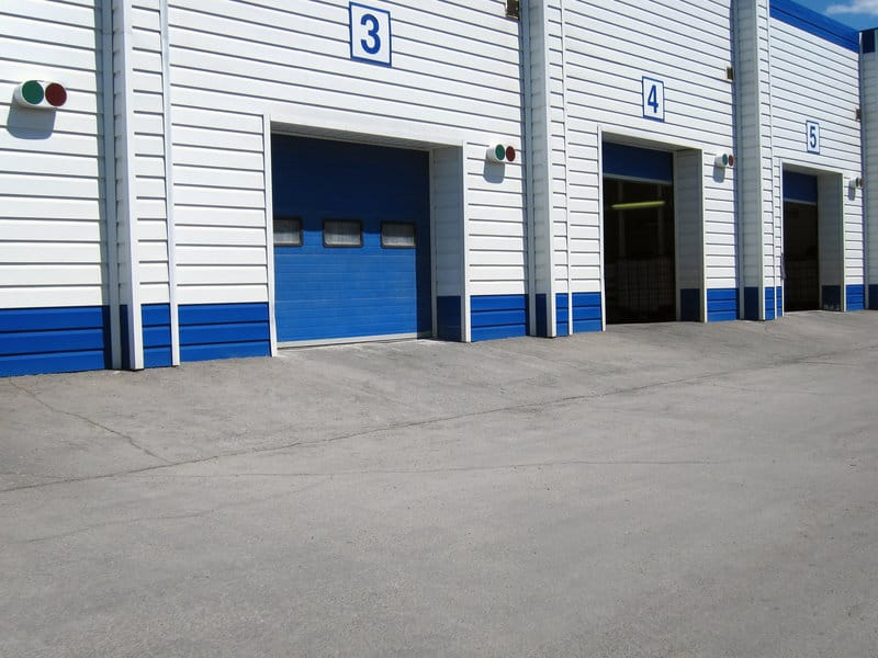 the ultimate guide on types of commercial overhead doors