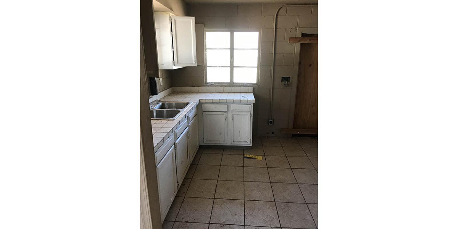 905 W Peoria Ave, Phoenix, Arizona 85029, ,SFR,Available,W Peoria Ave,1195