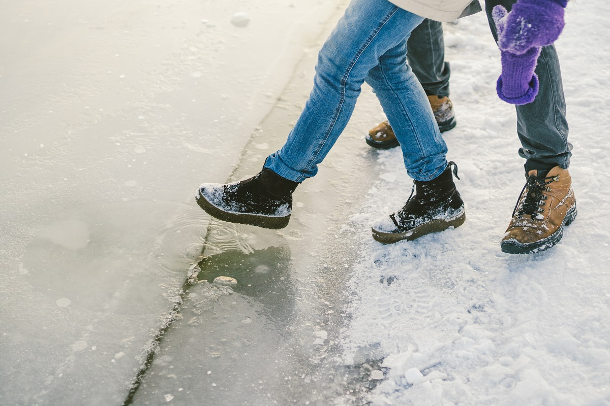 5 Techniques to Avoid Falling on Ice