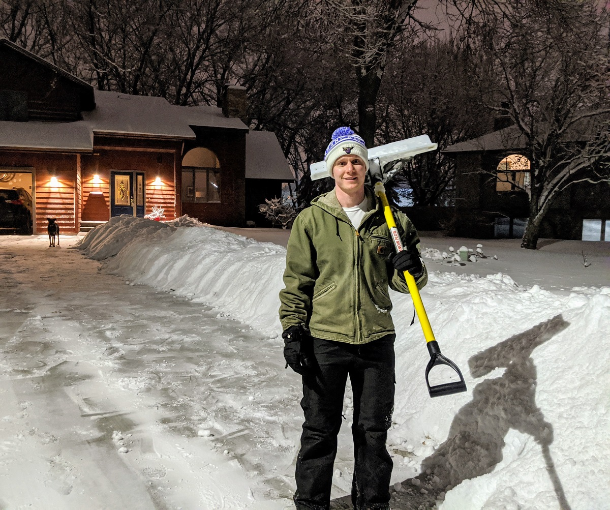 Here's the Scoop: Shoveling in Minnesota Winters
